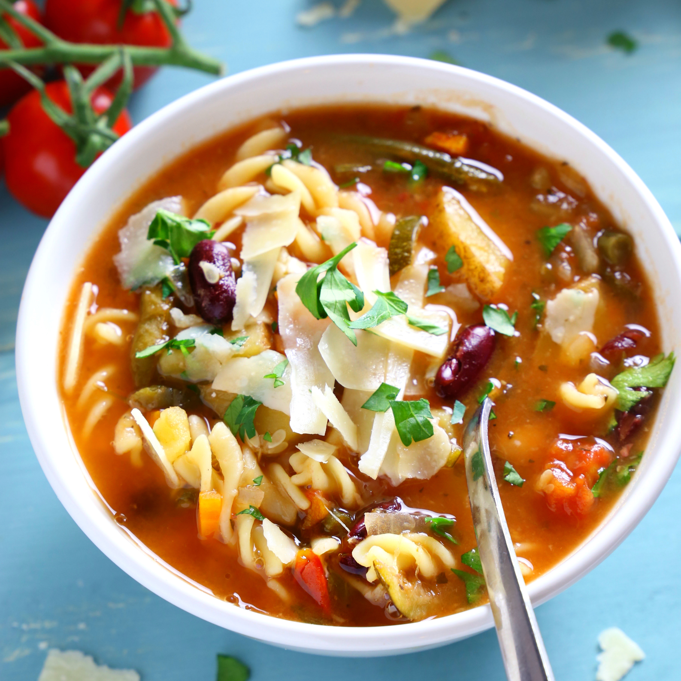 Best Ever Slow Cooker Minestrone Soup